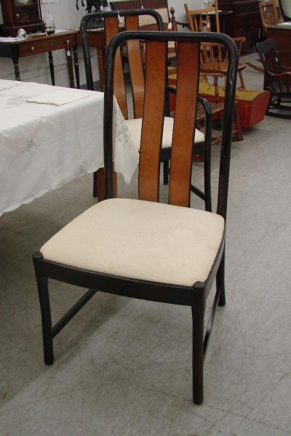 513: 11 Piece Birds Eye Maple Bernhardt Dining Room Set - 9