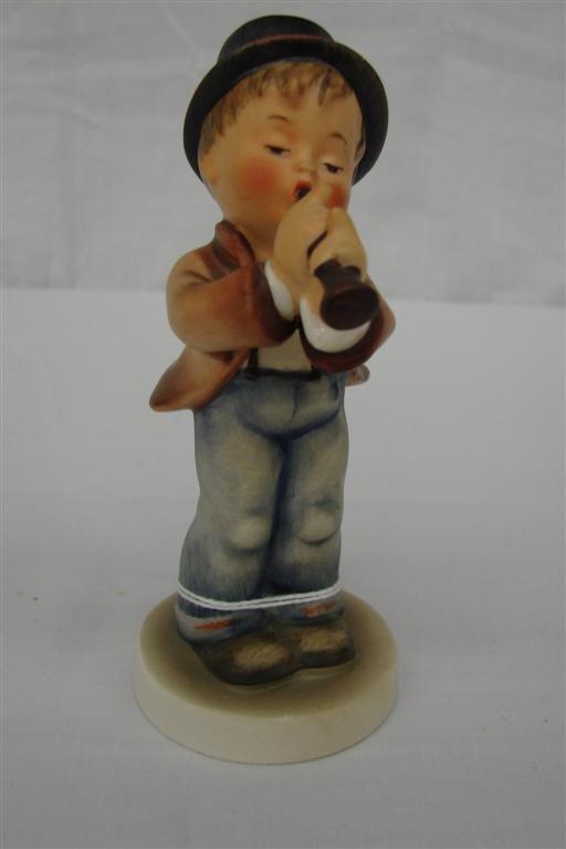 5: Hummel Figurine: Serenade  #85/0  TM3.