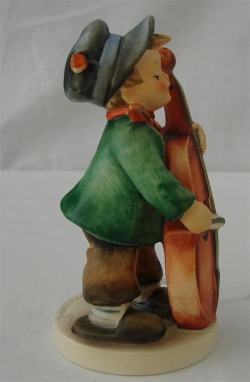 7B: Hummel Figurine: Sweet Music  #186  TM5.