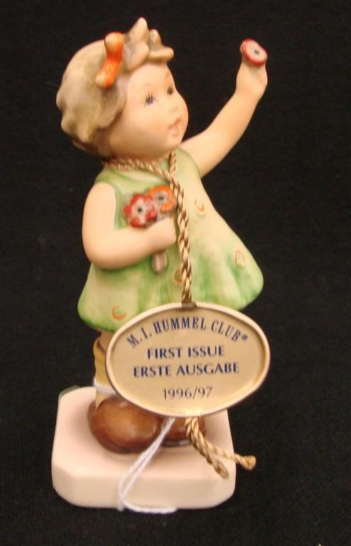 18: Hummel Figurine: Forever Yours # 793; TM 7. Collect