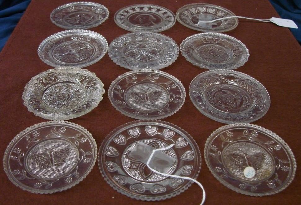542: 12 Antique Sandwich Glass Cup Plates  - 4