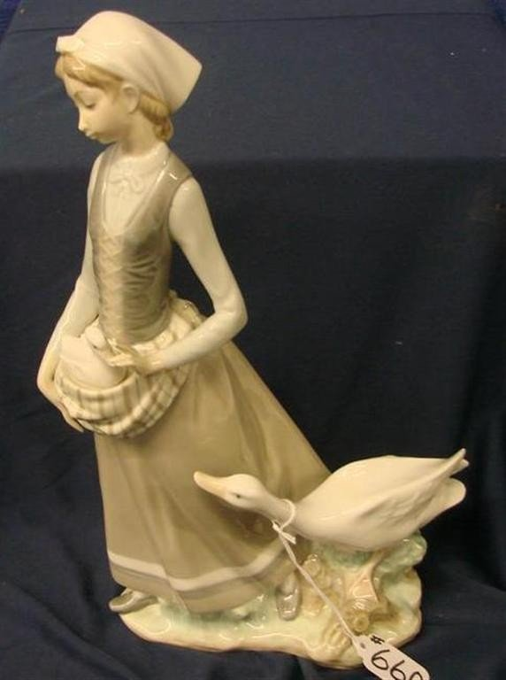 """660: Retired Lladro Figurine """"Girl with Goose"""" #4815 - 2"""