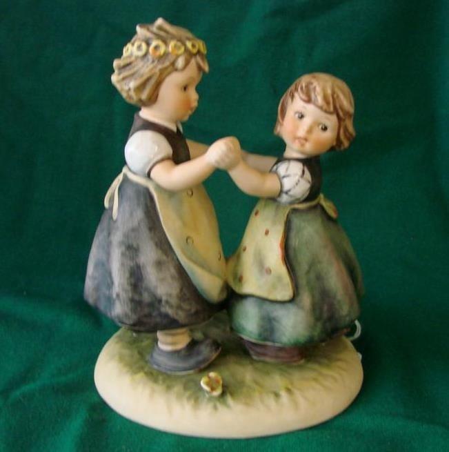 16: Hummel Figurine: Spring Dance #353/1