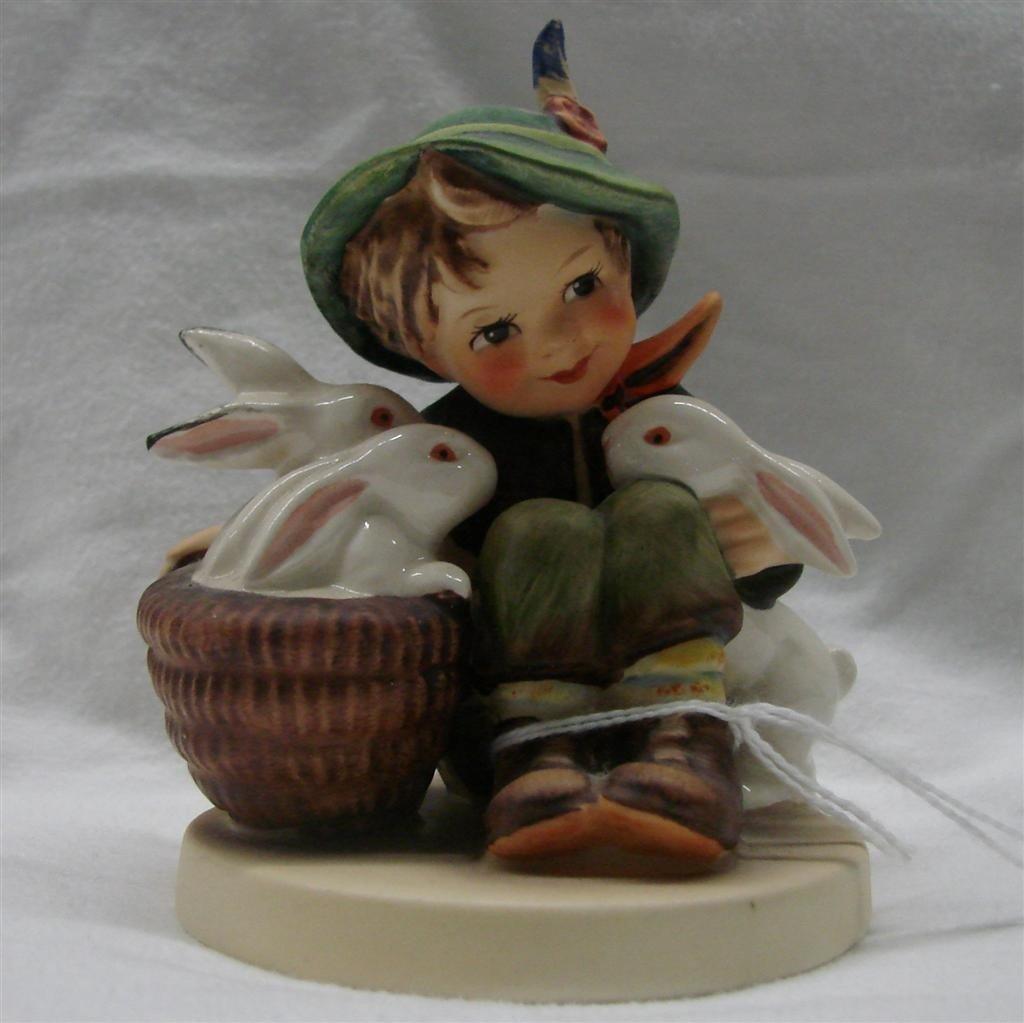 9: Hummel Figurine: Playmates, #58/0; TM 3
