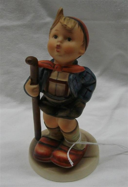 15: Hummel Figurine: Little Hiker, #16/1; TM 5