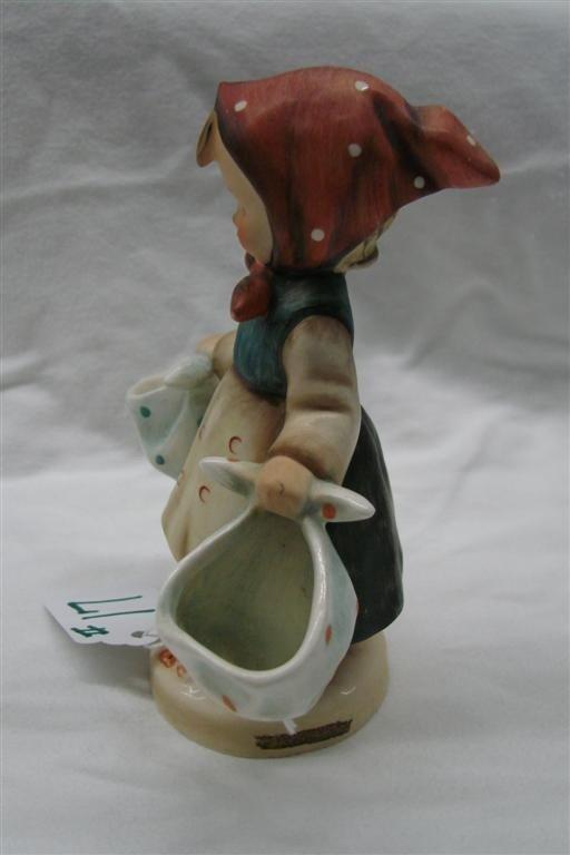 17: Hummel Figurine: Mothers Darling, #175; TM 3  - 4