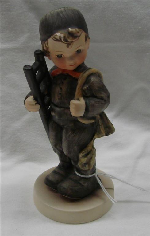 18: Hummel Figurine: Chimney Sweep, #12/1; TM 3
