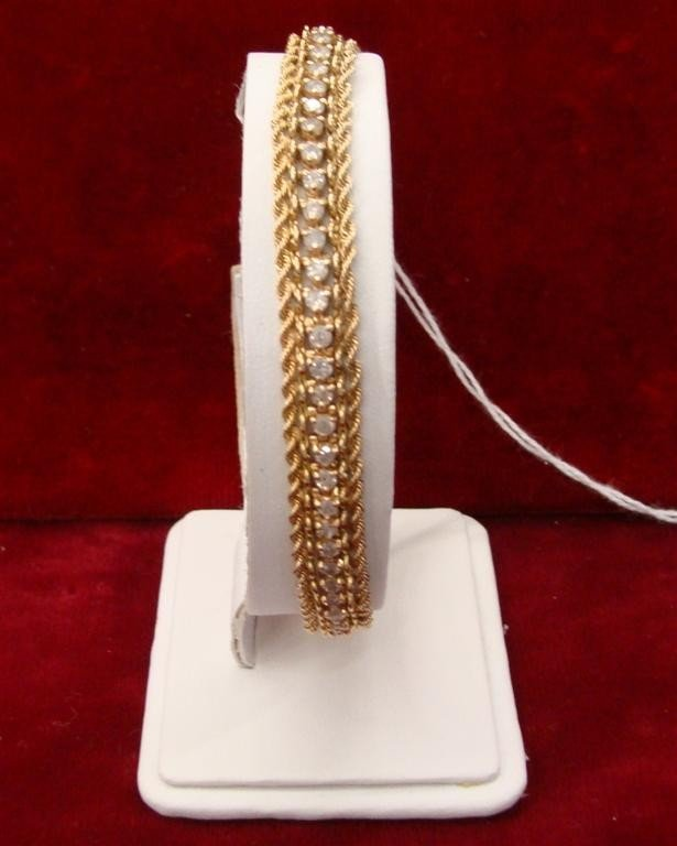 "750: 14K yellow Gold Diamond 8"" Tennis Bracelet 2.75ctw"