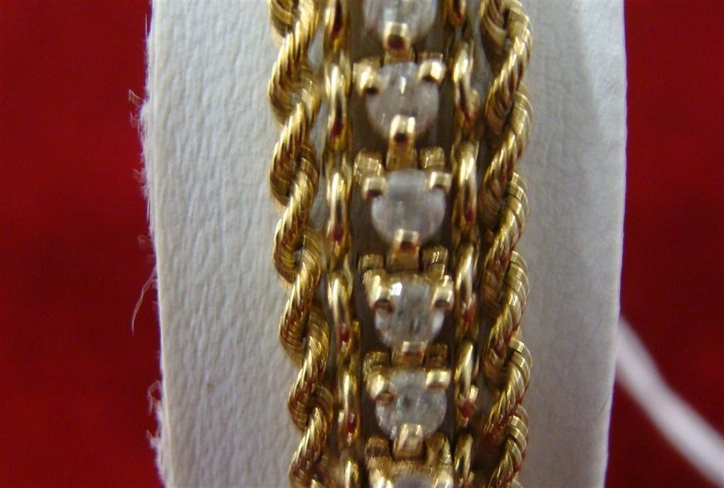 "750: 14K yellow Gold Diamond 8"" Tennis Bracelet 2.75ctw - 3"