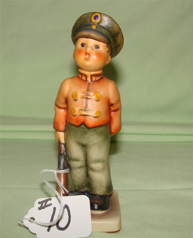 Hummel Figurine: Soldier Boy # 332; TM 5. Boo