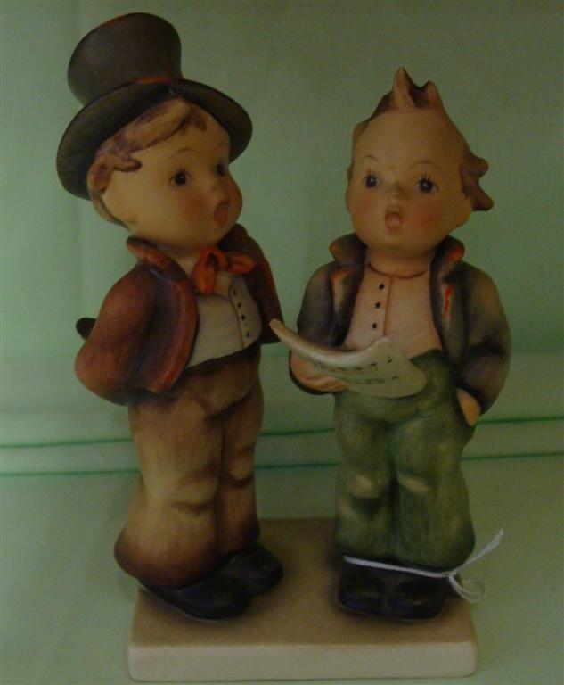 Hummel Figurine: Duet. # 130; TM 2. Book Valu