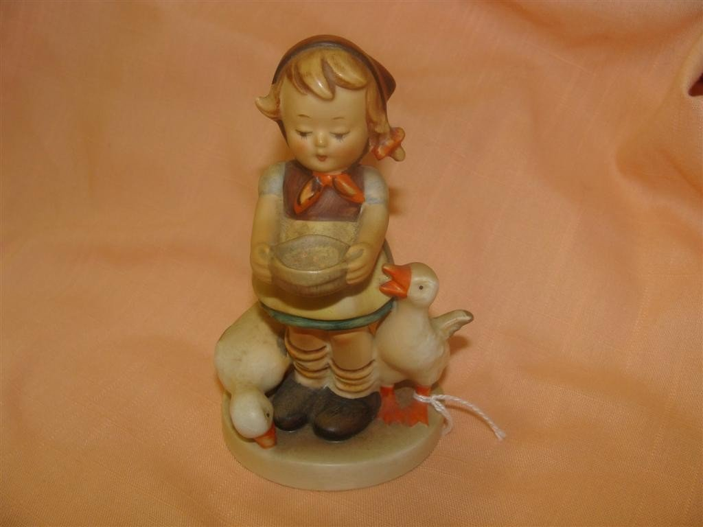 Hummel Figurine: Be Patient; #197/2/0; TM 2.