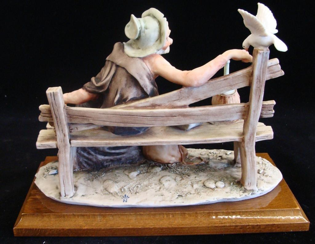 Giuseppe Armani Figurine: Old Man & a Bird #3218C. Olde - 3
