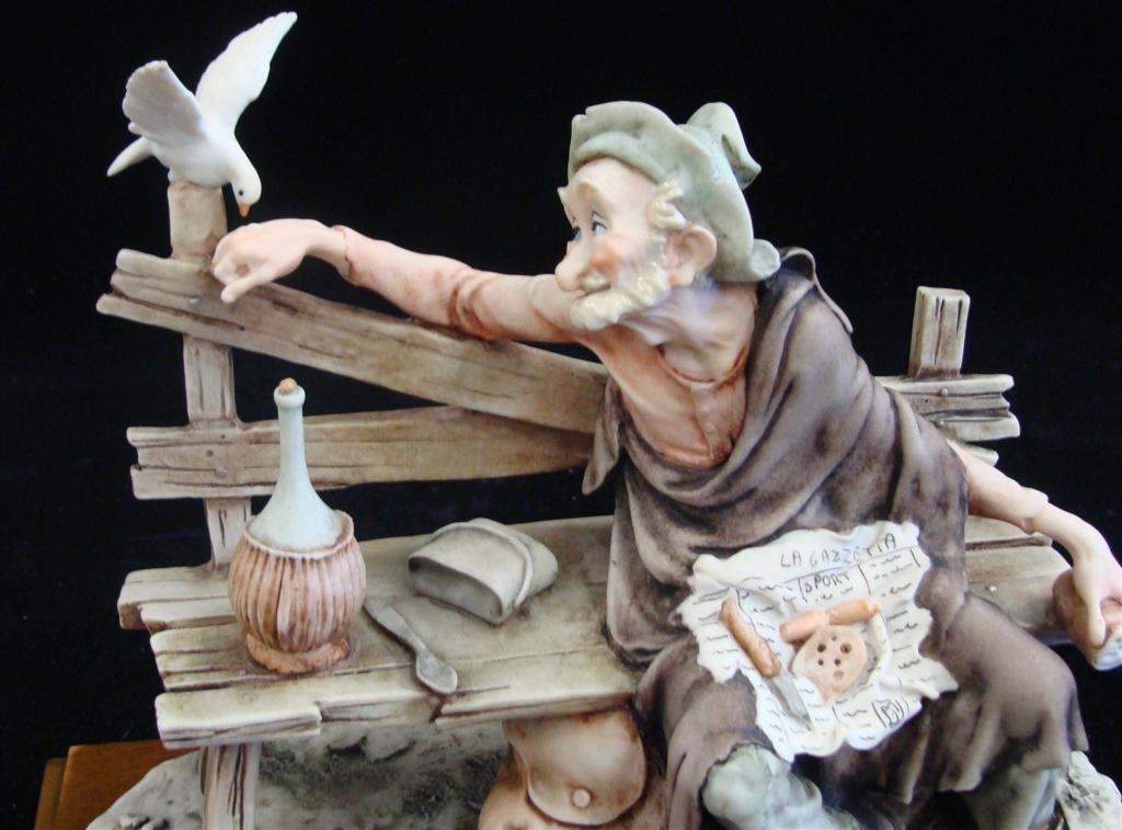 Giuseppe Armani Figurine: Old Man & a Bird #3218C. Olde - 5