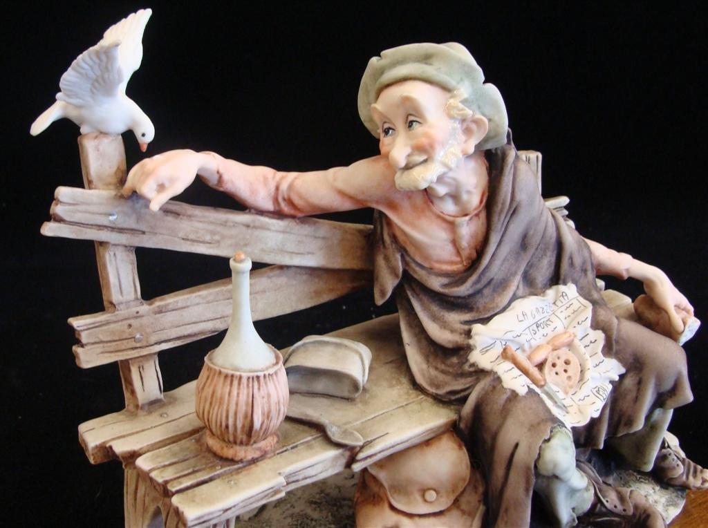 Giuseppe Armani Figurine: Old Man & a Bird #3218C. Olde - 8