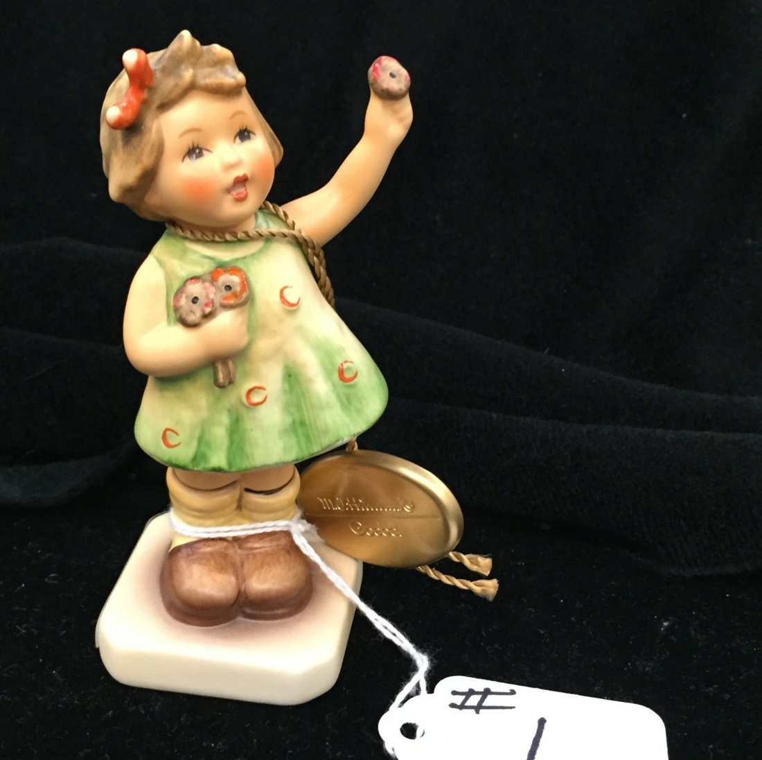 Hummel Figurine: Forever Yours; Collectors Club Edition