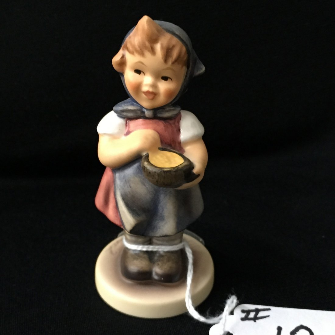 Hummel Figurine: From Me to You; Collectors Club