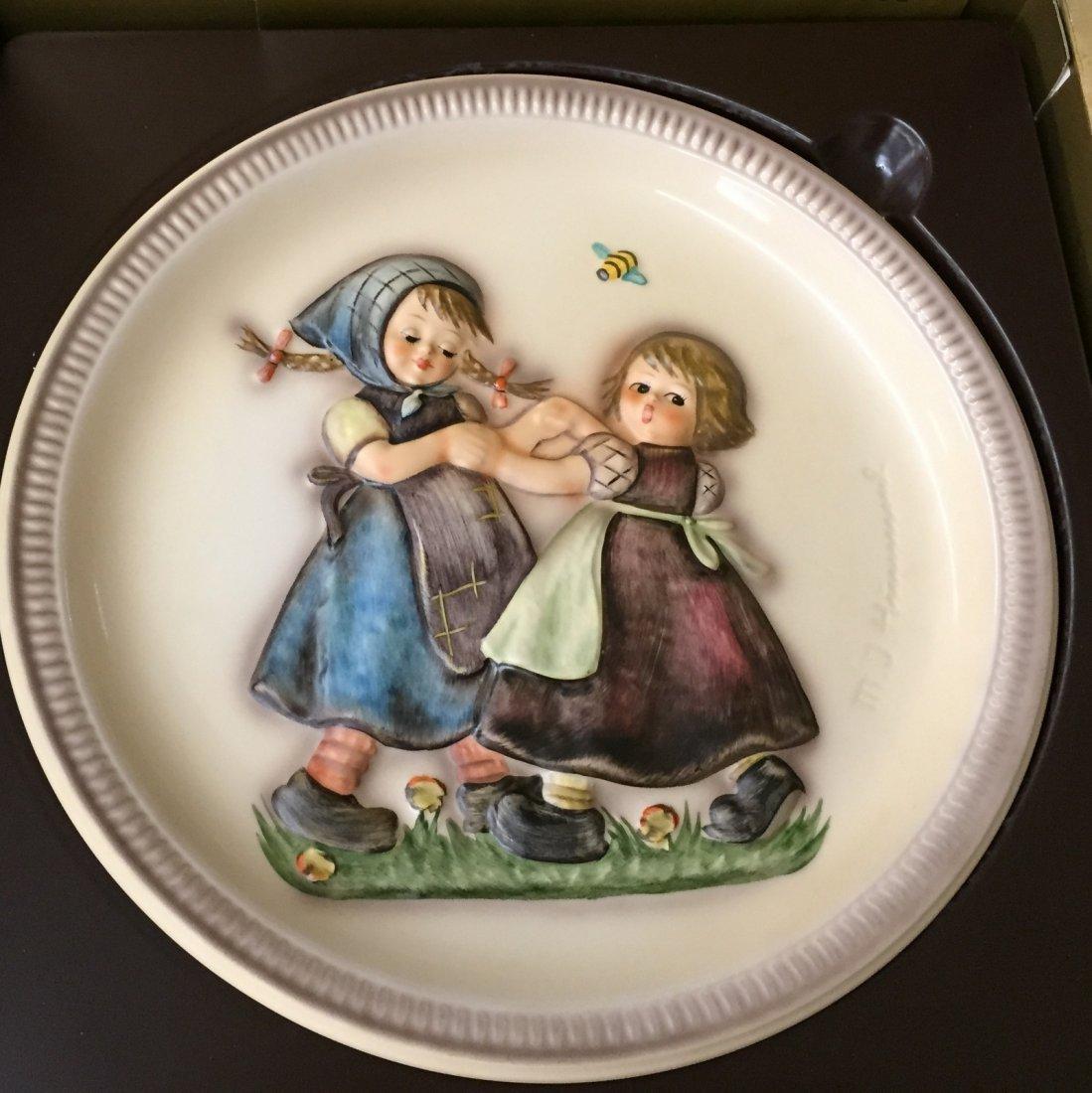 Hummel Anniversary Plate: Ring Around the Rosie; #281 - 2