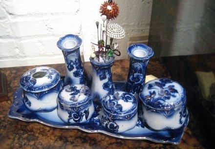 """2019: Flow blue porcelain dresser set, """"Pansy"""" patter"""
