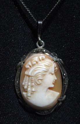 Victorian Cameo pendant on silver chain, marked 800