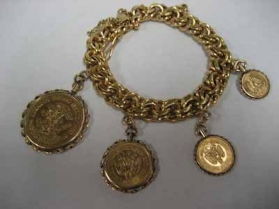 18Kt Gold Bracelet w/ 4 Mexican Gold Coins - 101g