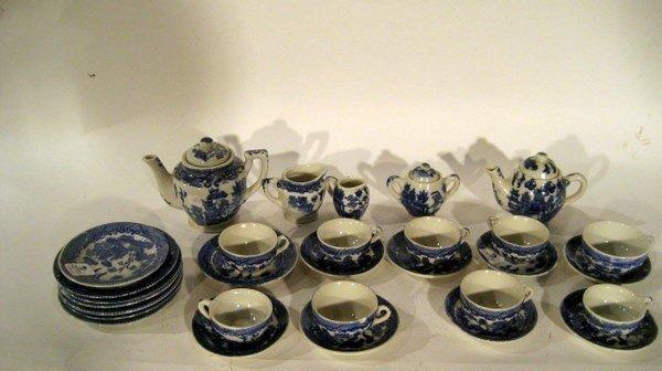 Antique Child's Blue Willow Coffee & Tea Set: 29 pcs