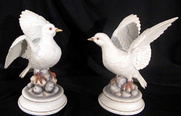 """Pair """"White Dove"""" by Andrea Porcelain Figurines"""