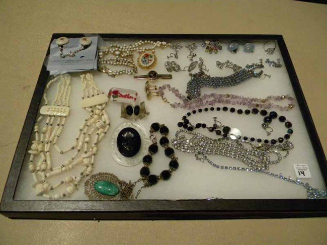 Lot of Vintage Costume Jewelry w/Designer Pieces w/case