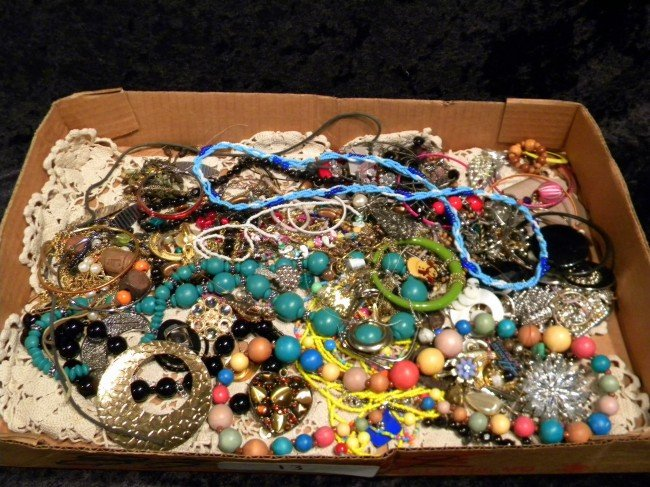 Lg Lot of Vintage Costume Jewelry w/Designer Pcs