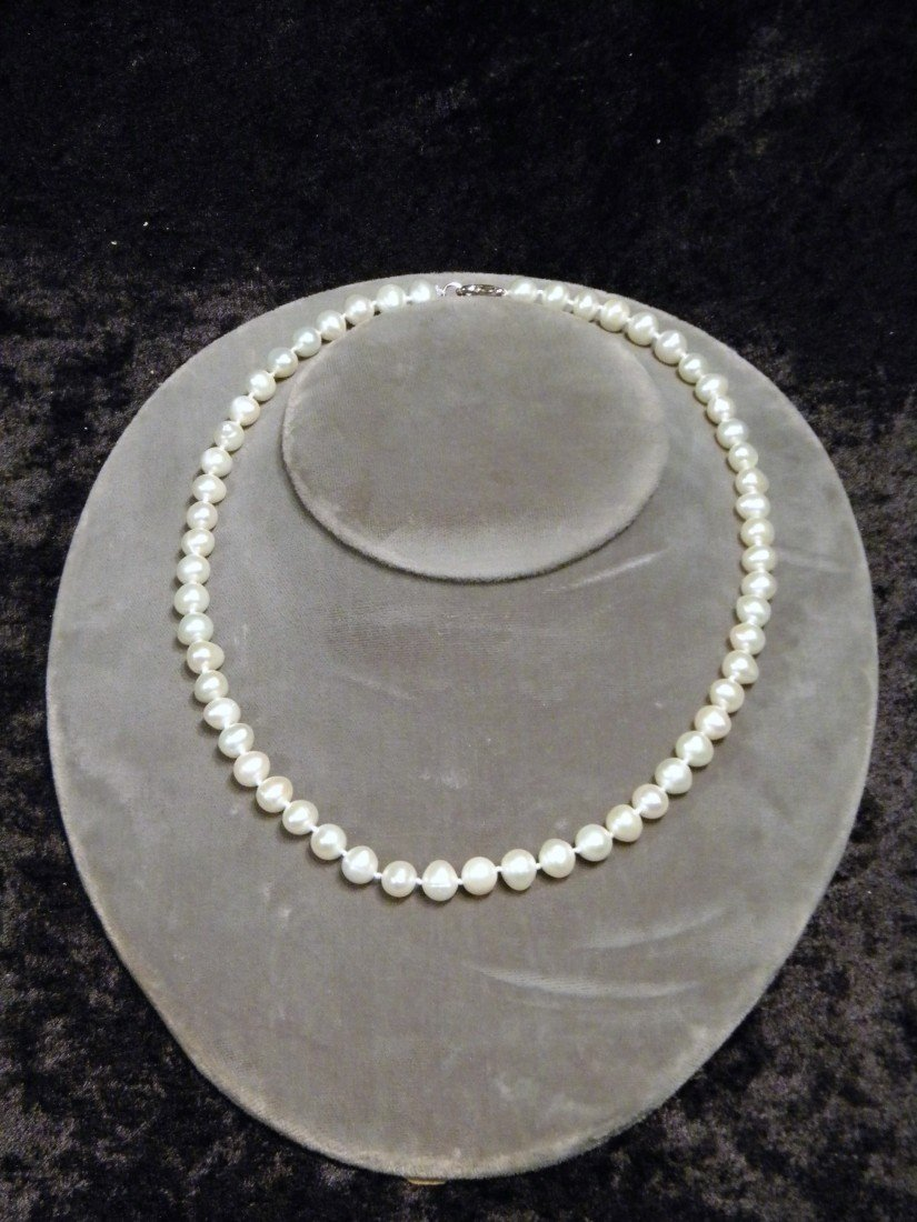 "18"" Cultured Pearl Necklace"
