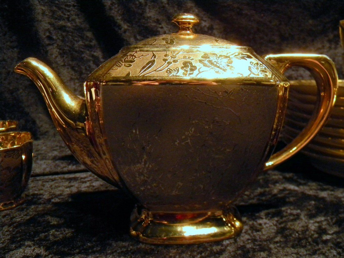 27 pc Arzberg Bavaria All-Over Gold Porcelain Teaset - 3