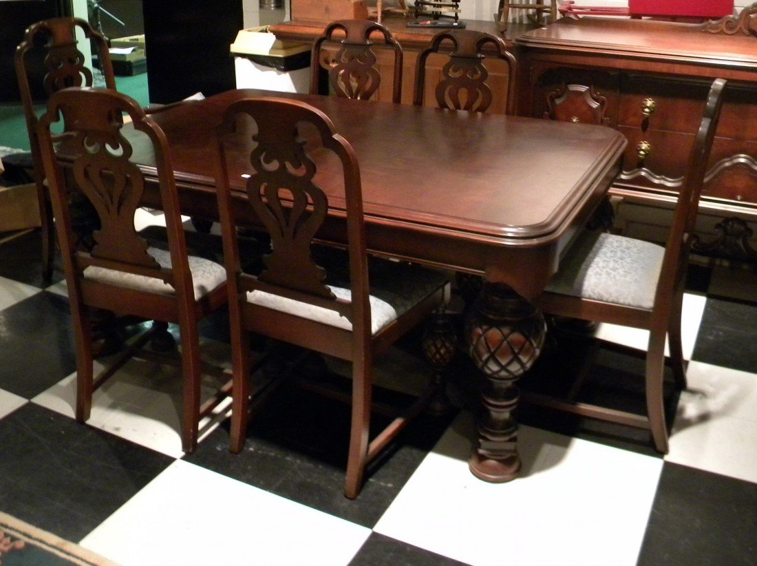 Batesville Cabinet Company Dining Table