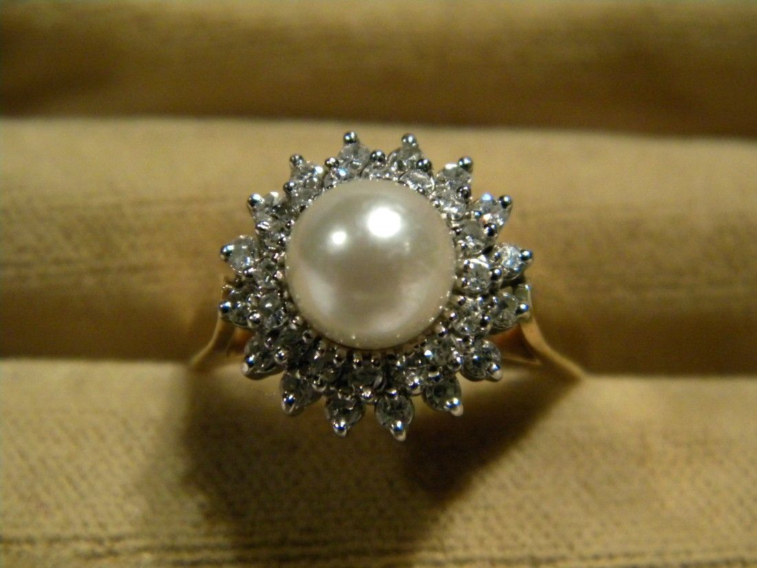 Ladies 14K Yellow Gold Ring Set w/Cultured Pearl