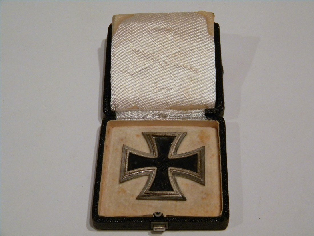 Nazi Officer's Iron Cross 1st Class Badge