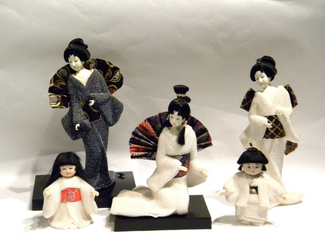 5 Japanese Pearl Dolls on Musical Wooden Stand