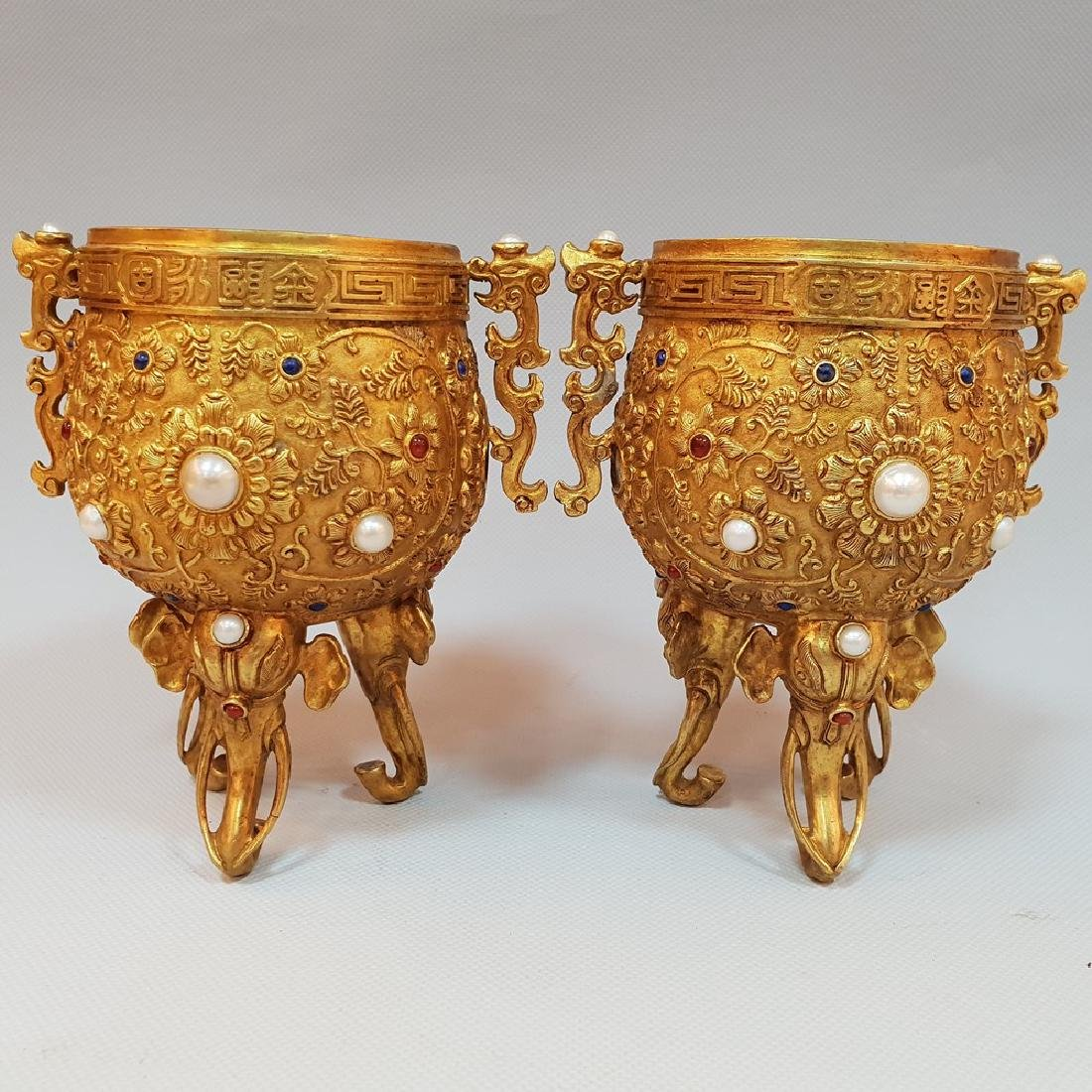 A PAIR OF GEM'S INLAID ELEPHANT CUPS ,MING DYNASTY - 2