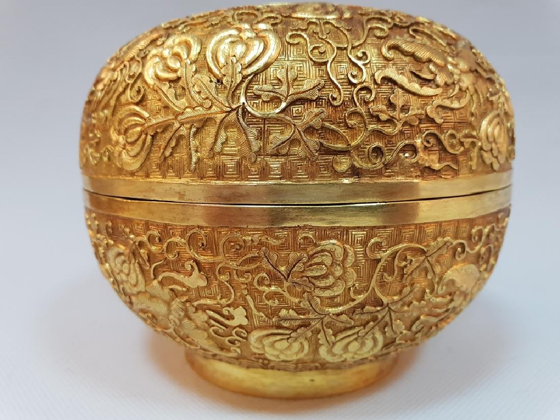 A CARVED GILT-GOLD BOX AND COVER ,MING DYNASTY - 4