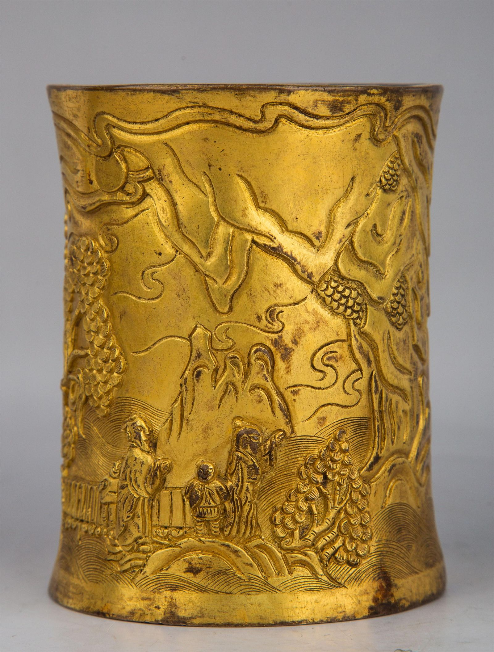A CARVED GILT-BRONZE BRUSHPOT.BITONG.MARK OF QIANLONG