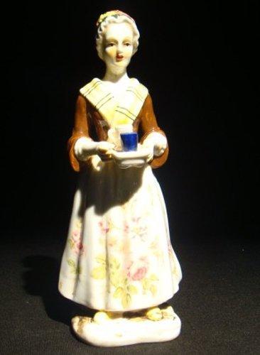 """14: A Meissen porcelain figure """"La Chocolatier,"""