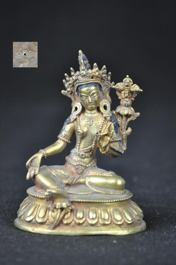 4: A GILT BRONZE FIGURE OF GREEN TARA, TIBETAN, (18 CEN