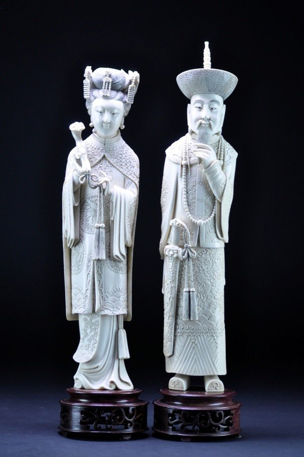 24: A PAIR OF IVORY CARVING OF EMPEROR  AND EMPRESS.