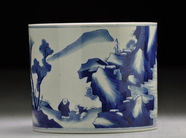 18: A BLUE AND WHITE BRUSHPOT, BITONG.(KANGXI PERIOD)
