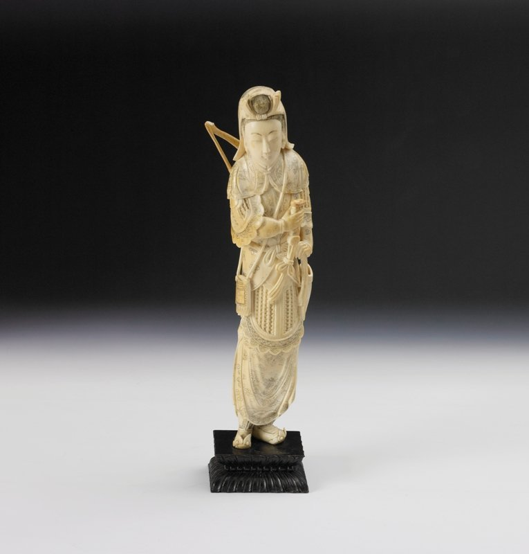 17: A Chinese ivory carving, Early 20th Century