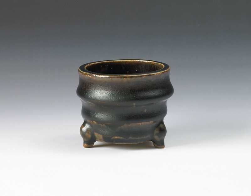 21: A small brown glazed censer, Ming Dynasty