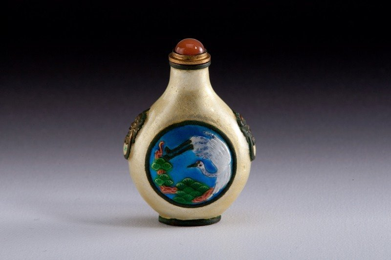 1: A famille -rose snuff bottle, 19TH CENTURY