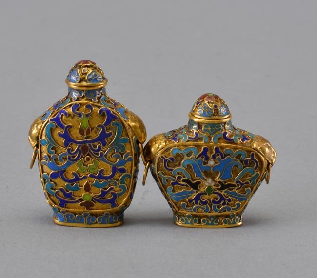 TWO OF CLOISONNE ENAMEL SNUFF BOTTLES