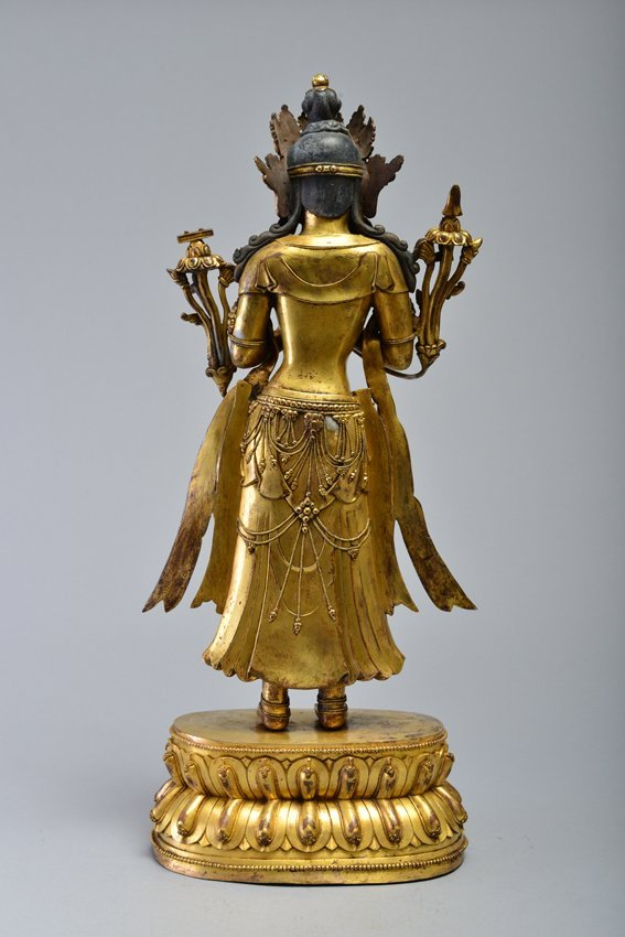 A GILT-BRONZE FIGURE OF AVALOKITESVARA - 4