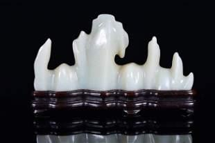 A WHITE JADE BURSHREST