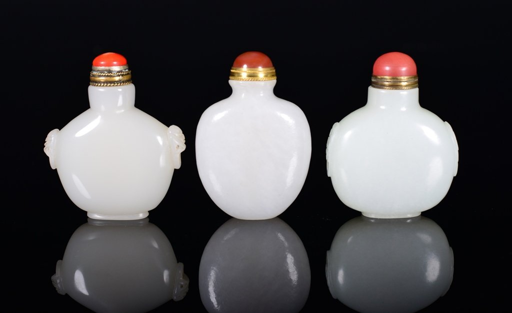THREE OF WHITE JADE SNUFF BOTTLE S