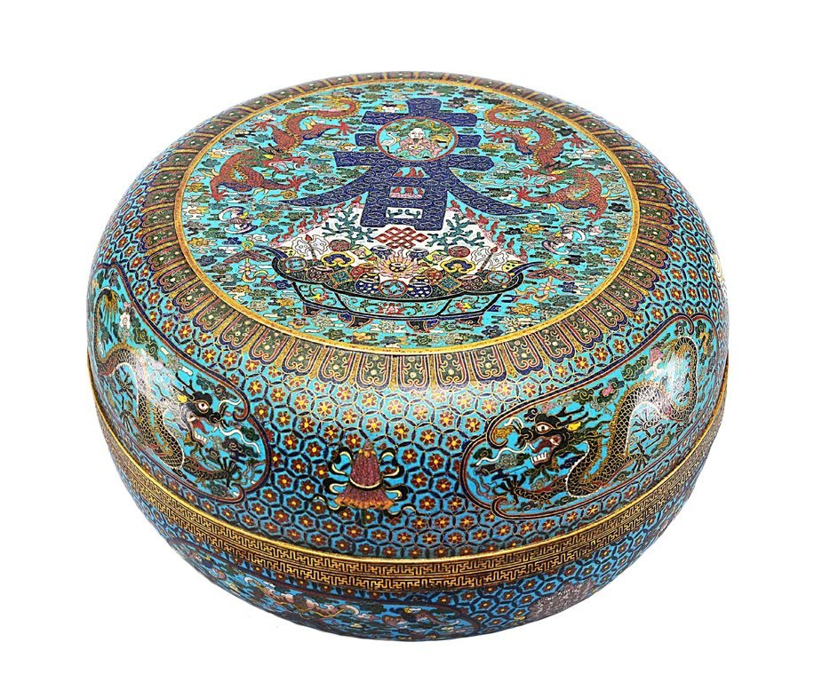 A LARGE CLOISONNE ENAMEL AND GILT-BRONZE BOX AND COVER